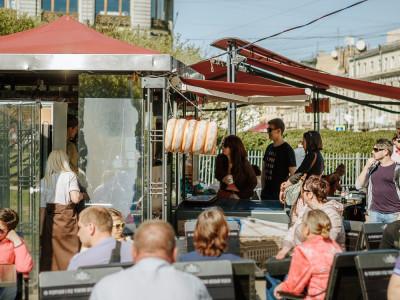 Открытие летнего кафе у Казанского собора 07.05.16